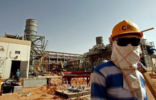 Ofiarą cyberataku padło 30 tysięcy stacji roboczych Saudi Aramco /AFP