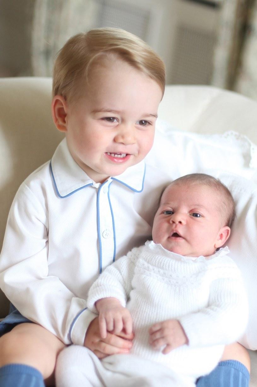Oficjalny portret księcia George'a i księżnej Charlotte /East News