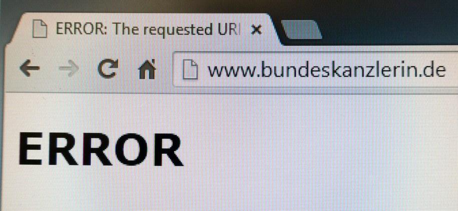 Oficjalny serwis Angeli Merkel po ataku hakerów //KAY NIETFELD /PAP/EPA