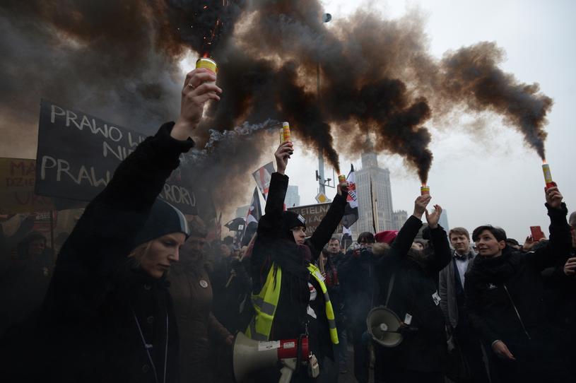 """""""Czarny Piątek"""" W Całej Polsce. Protesty Przeciwko"""