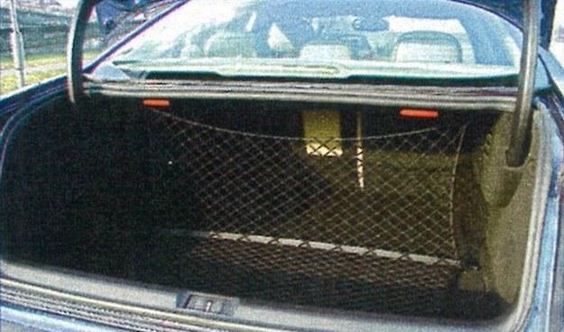 Ogromny bagażnik o regularnych kształtach. Bagaże rodziny lub sprzęt do prezentacji zmieszczą się tu bez trudu. /Motor