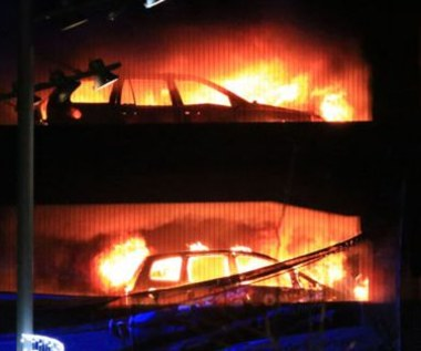 Ogromny pożar w Liverpoolu. Spłonęło 1400 aut