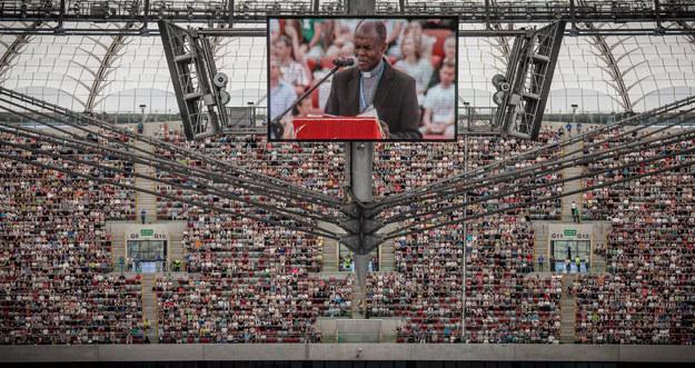 Ojciec John Baptist Bashobora w 2013 roku na Stadionie Narodowym fot. Wojtek Radwański /AFP