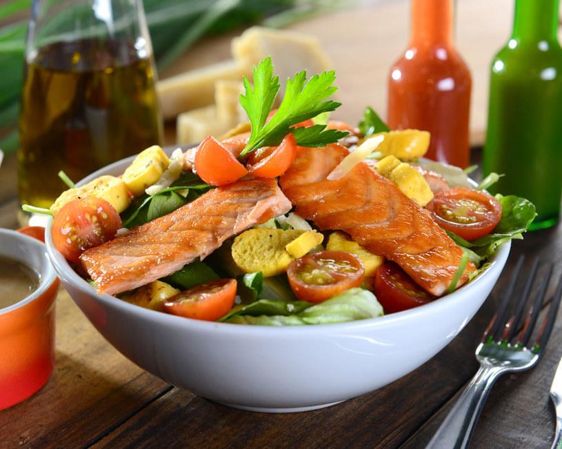 Okazuje się, że kolacja pełni bardzo ważną rolę w odchudzaniu /©123RF/PICSEL