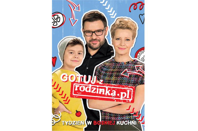 """Okładka książki """"Gotuj z rodzinka.pl. Tydzień w boskiej kuchni"""" /Styl.pl/materiały prasowe"""