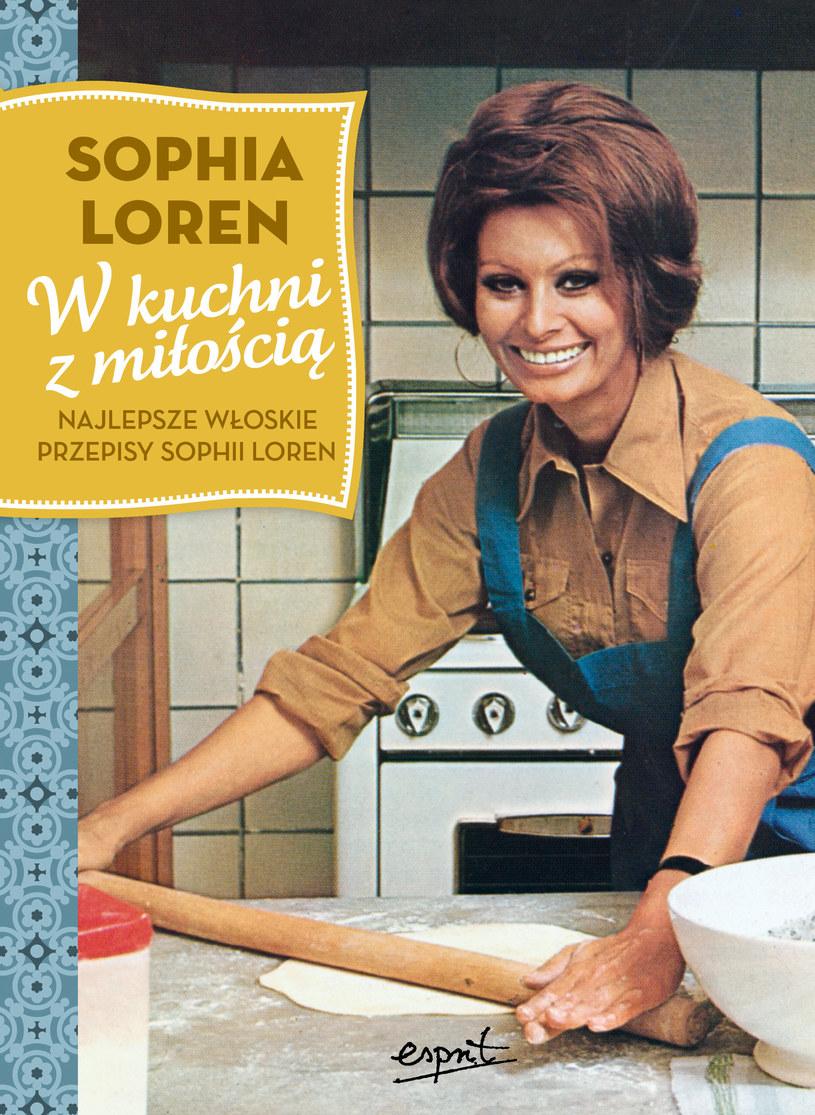 """Okładka książki """"W kuchni z miością. Najlepsze włoskie przepisy Sophii Loren"""" /materiały prasowe"""