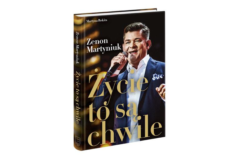 """Okładka książki """"Zenon Martyniuk. Życie to są chwile"""" Martyny Rokity /materiały prasowe"""