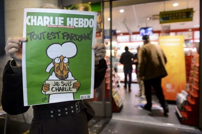 """Okładka najnowszego numeru """"Charlie Hebdo"""" /LAURENT GILLIERON /PAP/EPA"""