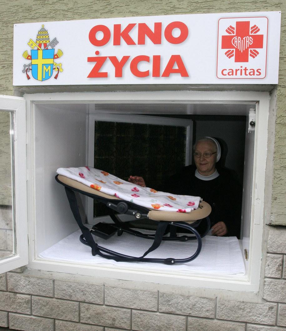 """""""Okno życia"""" w Krakowie /Jacek Bednarczyk /PAP"""