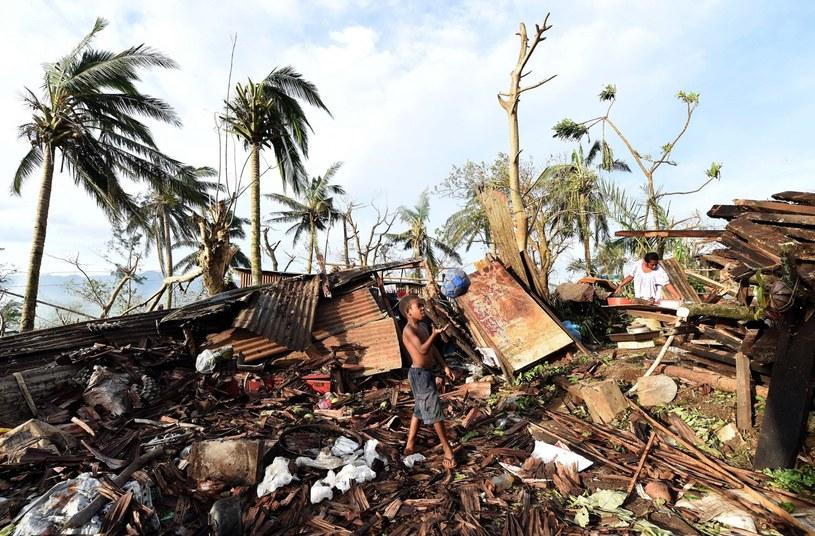 Około 60 tys. dzieci zostało poszkodowanych w Vanuatu w wyniku przejścia cyklonu Pam na Pacyfiku /PAP/EPA