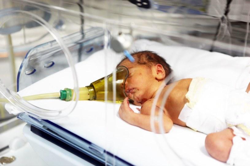 Około połowy z tych dzieci w późniejszym życiu boryka się z różnymi komplikacjami /©123RF/PICSEL