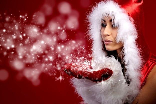 Okres świąteczny to wzrost zapotrzebowania na pracowników /123RF/PICSEL