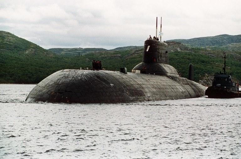 """Okręt typu Akuła (według NATO typu Typhoon) """"Dmitrij Donskoj"""" /AFP"""
