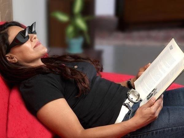 Okulary, które pozwalają czytać na leżąco /Internet