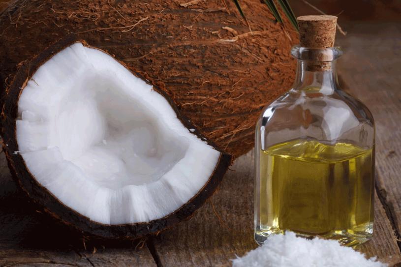 Olej kokosowy nie ma żadnych nadzwyczajnych właściwości /©123RF/PICSEL