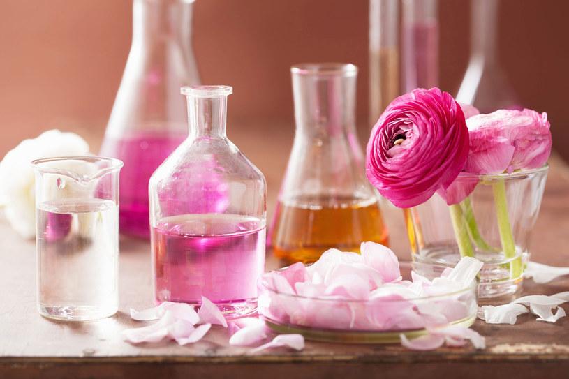 Olejek różany odpowiednio nawilży twoją skórę /Picsel /123RF/PICSEL