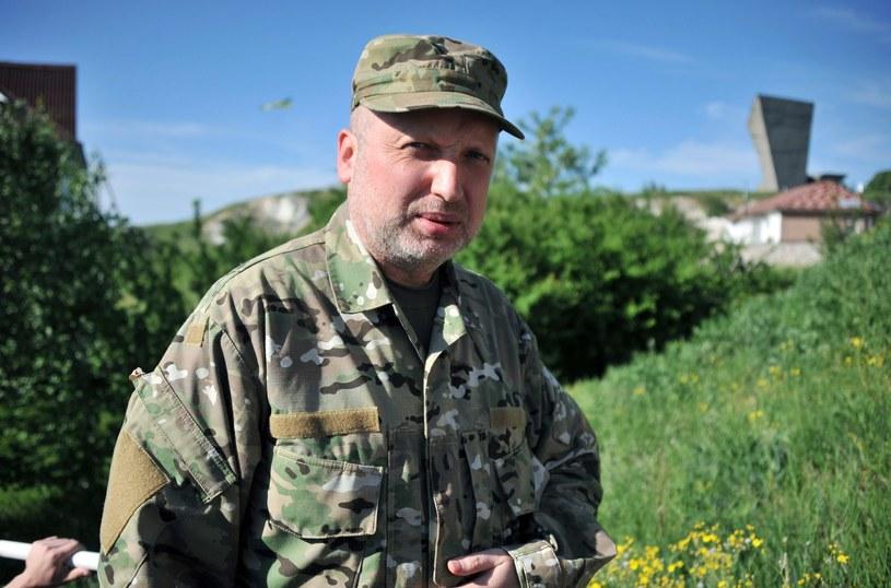 Ołeksandr Turczynow podczas wizyty niedaleko Charkowa, zdjęcie z 2014 roku /AFP