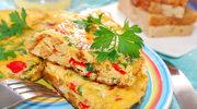 Omlet z makaronem i warzywami