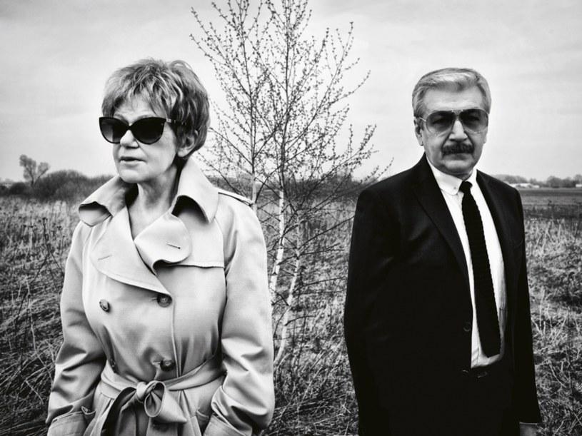 Ona nie potrzebowała ślubu, on nalegał. Tworzą zgrany duet już od trzydziestu lat  /Artur Wesołowski /Pani