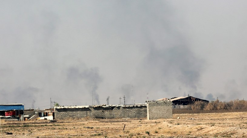 Operacja wojsk w pobliżu miasta Bartella /AHMED JALIL /PAP/EPA