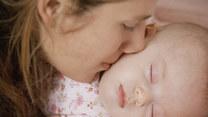 Opieka nad dzieckiem po porodzie. O czym należy pamiętać?