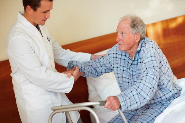 Opieka osób starszych poszukiwana /© Panthermedia
