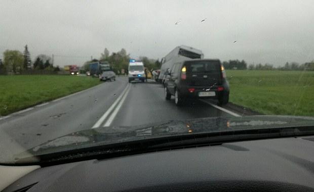 Opolszczyzna: Autobus z dziećmi zderzył się z osobówką, 1 osoba nie żyje