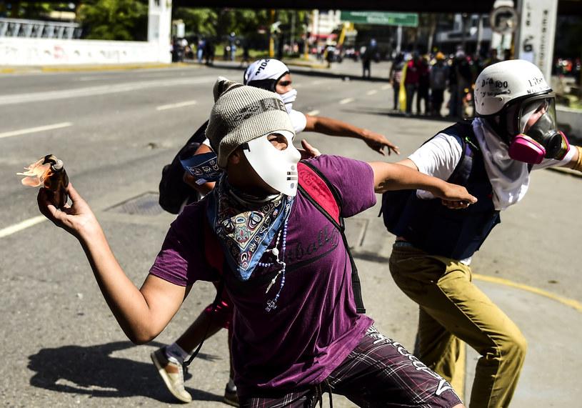 Opozycyjne bojówki /AFP