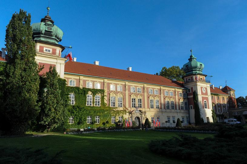 Oprócz pięknych wnętrz i bogatego zbioru dzieł sztuki, Łańcut zachwyca malowniczym parkiem w stylu angielskim. /Łukasz Solski /East News