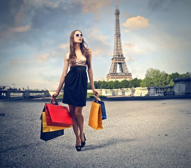 Oprócz zwiedzania warto w Paryżu wybrać się na zakupy /123/RF PICSEL