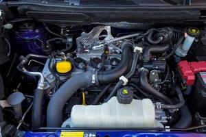 Optymalny - silnik 1.2 DIG-T wypada znacznie lepiej od stosowanej dotychczas jednostki 1.6. Pomaga mu w tym 6-biegowa skrzynia ręczna. /Nissan