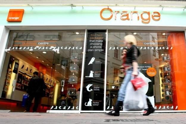 """Orange lepiej """"kojarzy się"""" z internetem niż neostrada. Czy słusznie? /AFP"""