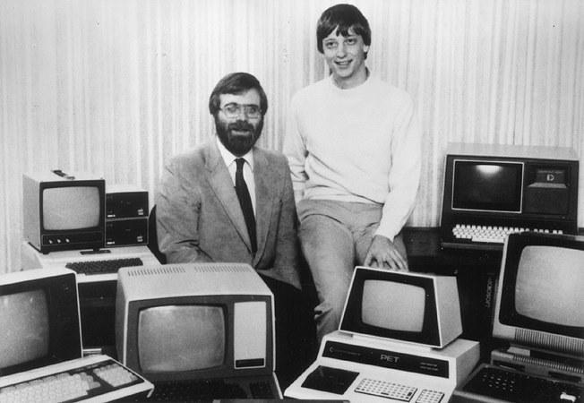 Oryginalne zdjęcie z 1981 roku - wtedy Gates i Allen zaczęli sprzedawać licencję na MS DOS /materiały prasowe