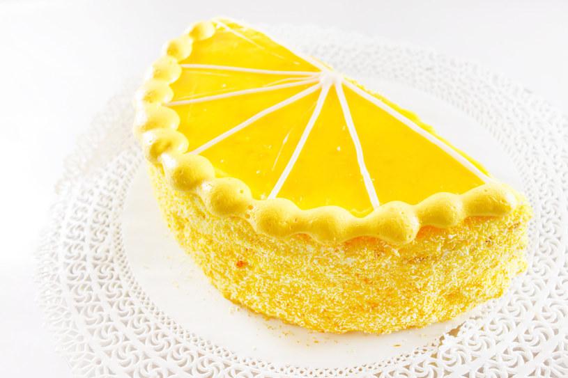 Orzeźwiający tort cytrynowy /123/RF PICSEL /©123RF/PICSEL