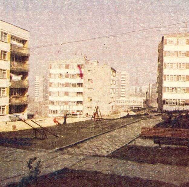 """Osiedle mieszkaniowe """"Złote Łany"""" - jeden z nabytków Bielska powstało pod naporem potrzeb wielkiego przemysłu. /Motor"""