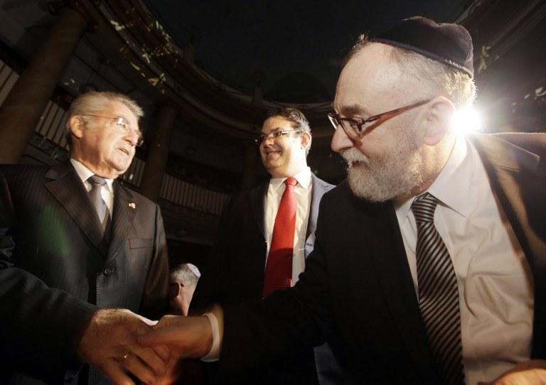 Oskar Deutsch (z prawej) /AFP
