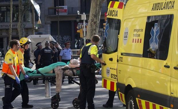 Osłonił 7-miesięczną córkę i 6-letniego syna. Rośnie bilans ofiar zamachów w Katalonii