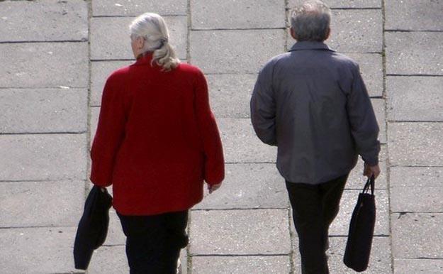 """Osoby w starszym wieku coraz częściej padają ofiarą """"promocyjnych"""" zakupówfot. Maksymilian Rigamonti /Reporter"""