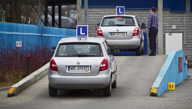 Ośrodki nie nadążają z egzaminowaniem... / Fot: Andrzej Stawiński /Reporter
