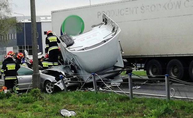 Oświęcim: Zderzenie osobówki z ciężarówką