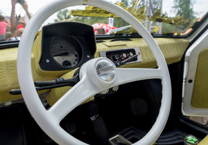 Oto  Fiat  126p, którego otrzyma aktor Tom Hanks