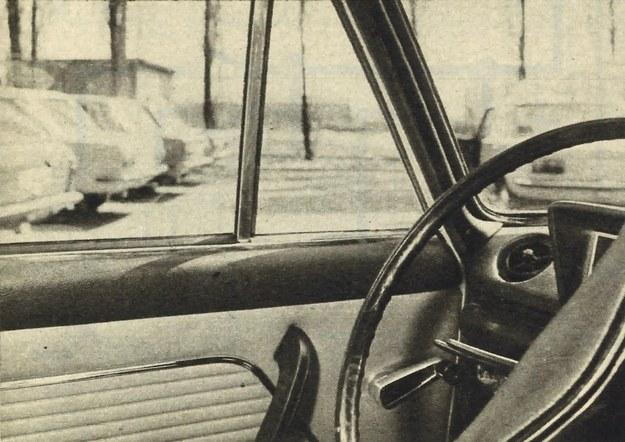 Oto jedna ze zmian. W samochodzie skasowano uchylane wywietrzniki w drzwiach przednich stosując zamiast nich okienka nieruchome. /Motor