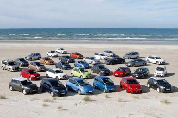 Oto wszystkie auta kandydujące do COTY 2011. Fot. caroftheyear.org /