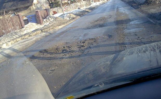 Otrzymujemy od Was kolejne sygnały o wielkich dziurach na drogach...