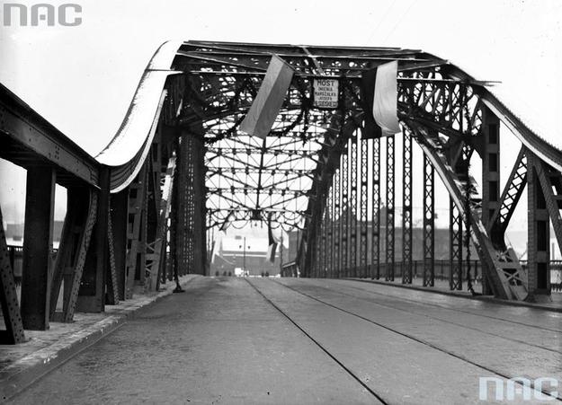 Otwarcie Mostu Piłsudskiego /Z archiwum Narodowego Archiwum Cyfrowego