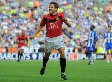 Owen i jego wielka radość po trafieniu dla Manchesteru United /AFP