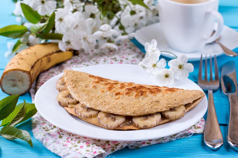 Owsiane naleśniki to zdrowsza wersja popołudniowego deseru /123RF/PICSEL