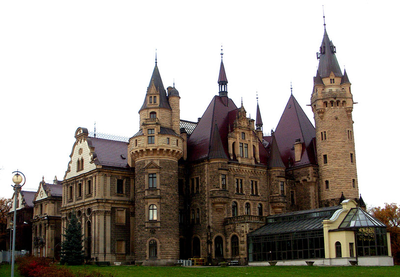 Pałac w Mosznej od strony wschodniej, stan obecny/Dariusz Pietrucha /Odkrywca