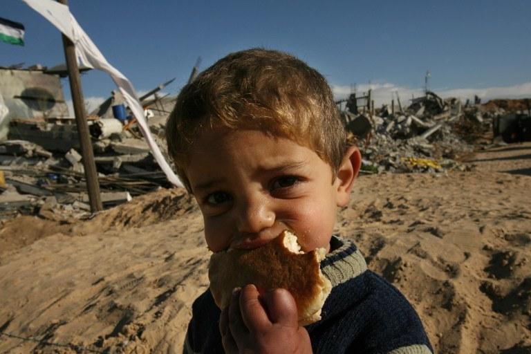 Palestyński chłopiec/ zdj. ilustracyjne /MOHAMMED ABED / AFP /AFP
