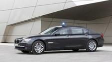 Pancerne BMW 7. Czy w takim samochodzie może pęknąć opona?
